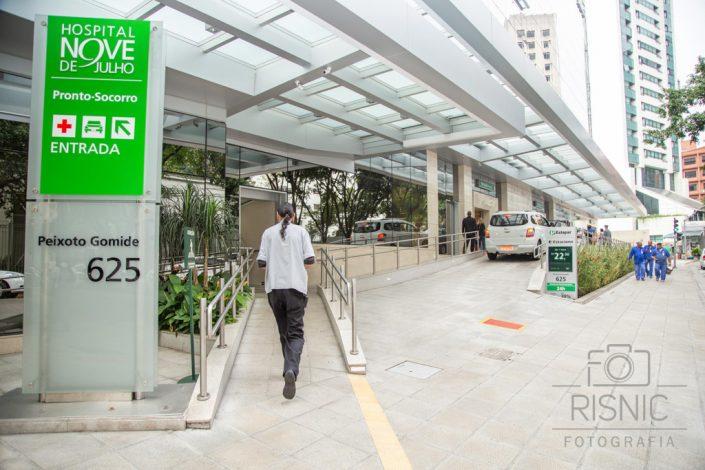 Foto mostrando a entrada do Hospital 9 de Julho
