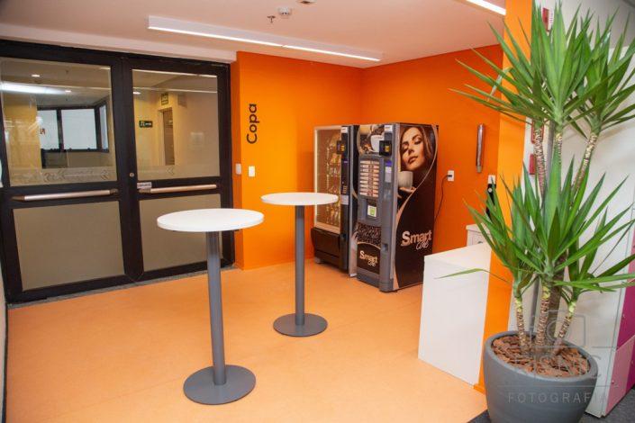Empresa Pare Bem inaugura novo escritório em São Paulo, no bairro Vila Olímpia. Foto do ambiente do café