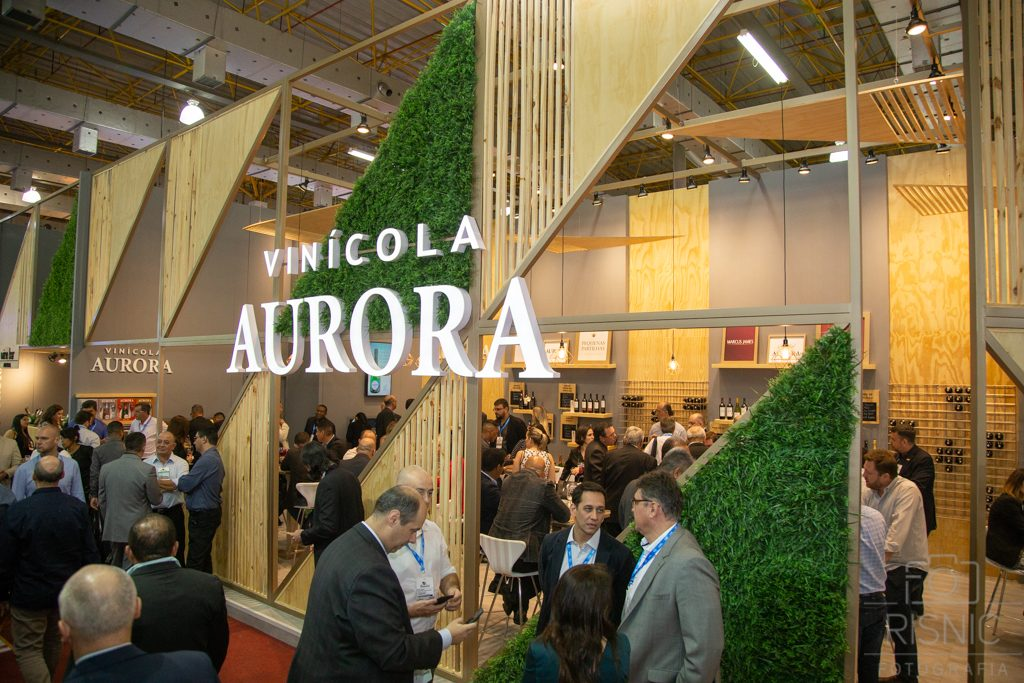 Foto do Stand da Vinícola Aurora na Feira APAS 2018, realizada no Expo Center Norte