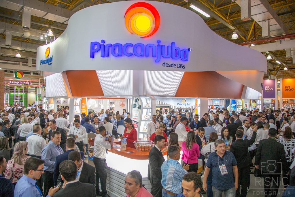 Foto do Stand da Piracanjuba na Feira APAS 2018, realizada no Expo Center Norte