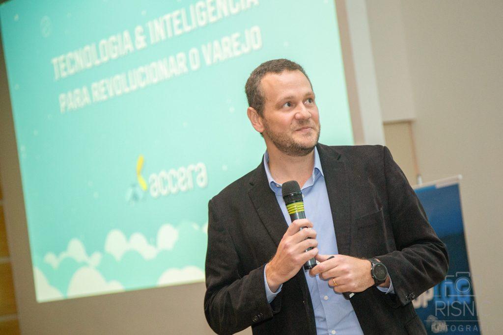 Eduardo Kazmierczak, CO-Fundador da ACCERA, no evento realizado pela própria empresa dentro do Grupo Pão de Açúcar, para lançamento do programa TOPLOG