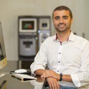Retrato Profissional de Arthur Souza, Professor especialista em Criptomoedas