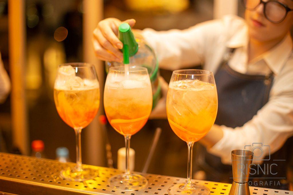 Preparo de Aperol Spritz no Bar Obelisco